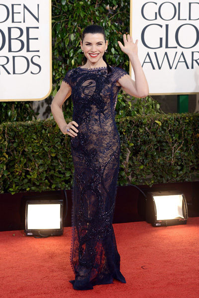 julianna_marguiles_2013_golden_globes_awards_red_carpet_sexy_backless_gown_18f6pv9-18f6pvh