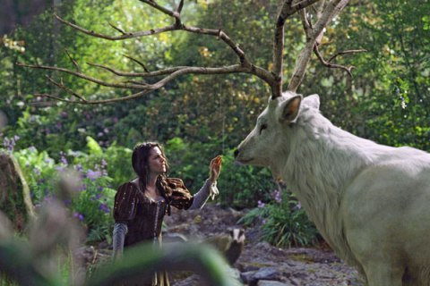 snow-white-huntsman-3